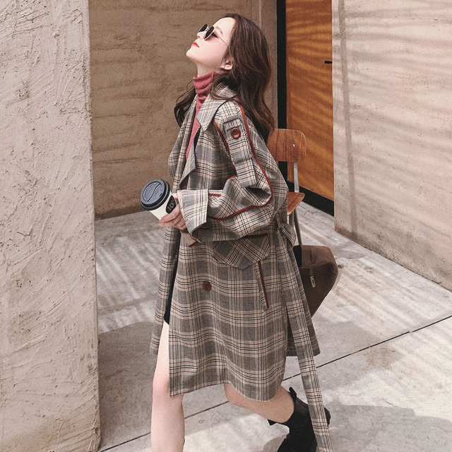 Retro Plaid windbreaker women's middle long small new Korean loose spring and autumn British wind co
